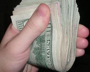 Cea mai mare banca din Rusia a oprit acordarea de imprumuturi in valuta