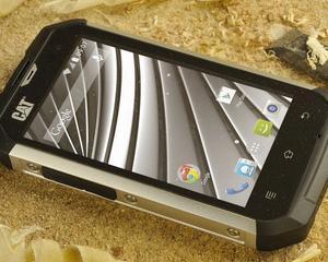 Telefonul pentru apocalipsa nu este Samsung sau Apple, ci Cat B15Q