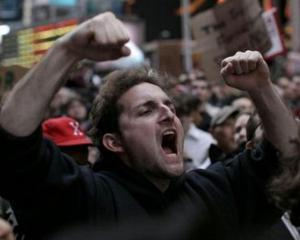 Cateva sute de functionari bosniaci, sechestrati o noapte in Parlament