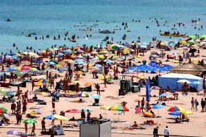 Cazare litoral 2020: Cat ne costa o vacanta la mare, in sezonul relaxarii