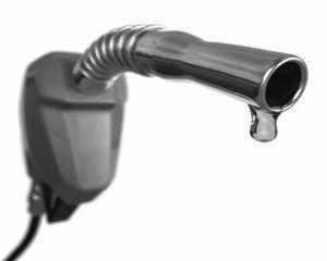 Ce loc ocupa Romania in topul tarilor care au scumpit carburantii