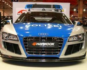 Ce viteza poate prinde cea mai rapida masina de politie de pe Glob