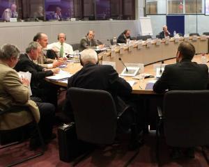 State UE pun la indoiala modul in care Comisia Europeana gestioneaza traseul si sistem de urmarire a produselor din tutun