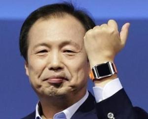 Samsung sustine ca a vandut 800.000 de ceasuri inteligente Gear in doua luni