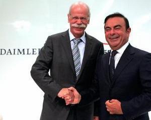 Daimler doreste sa colaboreze mai mult cu Renault si Tesla
