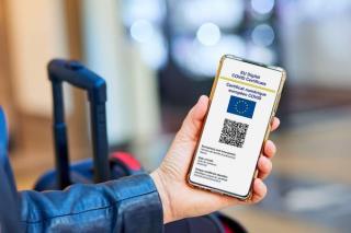 La ce este bun certificatul digital COVID-19. De exemplu, pe Aeroportul Henri Coanda, te scapa de controlul DSP