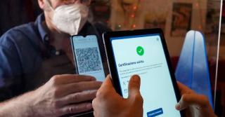 Certificatul digital - obligatoriu pentru unii angajati de la stat si din privat. Cine nu are, risca sa fie concediat - Proiect trecut de Comisiile din Senat