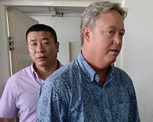 Chip Starnes, captiv in propria fabrica din China: M-am simtit ca un animal la gradina zoologica