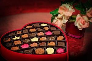 In prag de weekend, sa ne oferim un rasfat cu ciocolata!