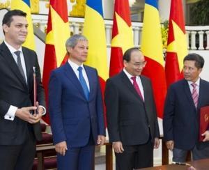 Premierul Ciolos este in turneu asiatic