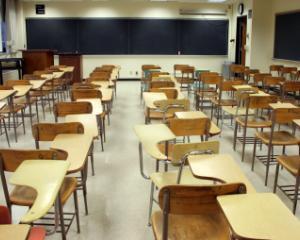 Weekend prelungit pentru elevi si profesori: Luni, de Ziua Educatiei, NU se fac ore
