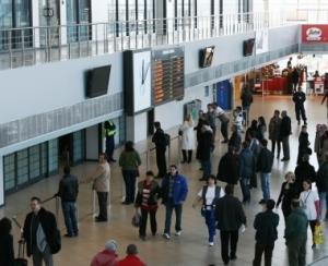Tot mai multe milioane de pasageri pe aeroporturile bucurestene