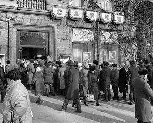 Cine sunt cei care spun ca era mai bine pe vremea lui Ceausescu?