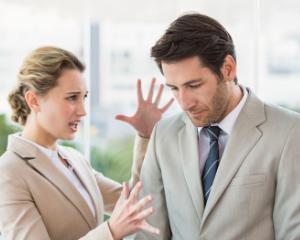 Ce este bullying-ul la locul de munca si care sunt cele 8 tipuri de colegi toxici pe care ii poti avea