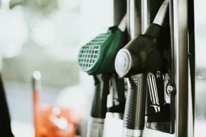 Primaria Capitalei va deconta combustibil de pana la 500 lei/luna pentru persoanele care fac car-sharing