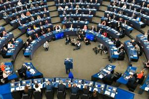 Comisia Europeana: Guvernul a marit salariile nejustificat de mult. Nu exista productivitate