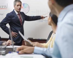 Studiu: Daca nu se reorganizeaza, companiile de top nu vor supravietui