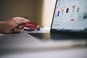 Companie IT ce te poate ajuta cu platile online