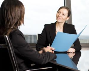 Companiile din Romania anunta cresterea numarului de angajati in al doilea trimestru din 2015