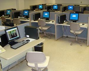 """Profi te premiaza"", campania prin care sute de scoli vor primii calculatoare"