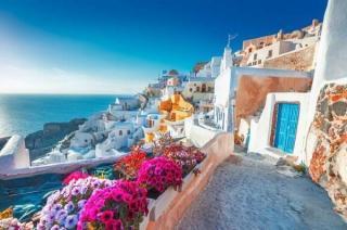Ce conditii vor trebui sa indeplineasca romanii care vor sa plece in Grecia in aceasta vara