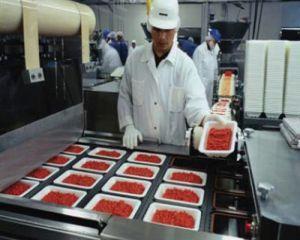Ce nereguli au descoperit inspectorii ANSVSA in unitatile din industria agroalimentara