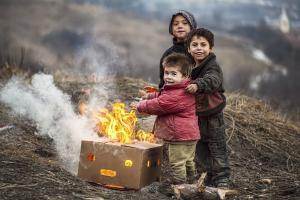 Dilema care a divizat Romania: Statul sa decida cine face copii