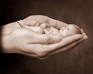 Dorna sustine Salvati Copiii, in problema nascutilor prematur