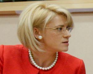 "Corina Cretu: ""Traian Basescu a aparut ca un invitat nepoftit la Berlin"""