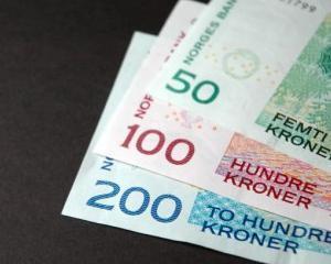 Toti norvegienii au devenit milionari in coroane, cel putin teoretic