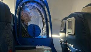 Oamenii au devenit paranoici de teama coronavirusului: Imagini surprinse la bordul unui avion