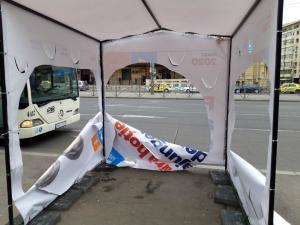 Alianta 2020 USR PLUS: Suntem sub atac. Noaptea ca hotii, ne-au distrus corturile din Bucuresti
