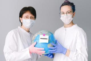 Optimismul este pe val, pe al patrulea val al pandemiei
