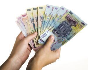 BNR: Romanii economisesc tot mai mult, de la un an la altul