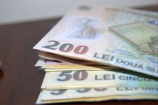 Salariile romanilor vor creste in 2022: cat de adanc vor baga patronii mana in buzunar