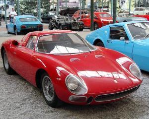 Cu cat a fost vandut la licitatie un bolid Ferrari din 1954
