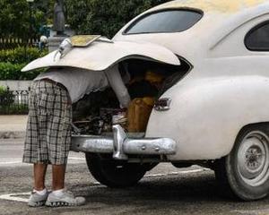 Cubanezii vor circula in continuare cu rablele lui Fidel si Raul. Pretul unui Peugeot 508: 262.000 dolari!