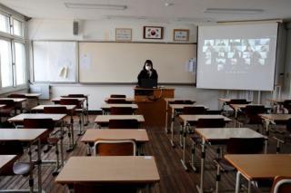 Cum se redeschid scolile: Fara declaratie pe proprie raspundere pentru parinti, triaj observational, scoli inchise la trei cazuri in trei sali de clasa
