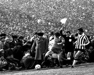 Amintiri din comunism: Recordul absolut de asistenta la un meci de fotbal din Romania (I)