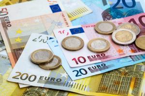 Euro a inceput luna pe crestere. Ce se intampla cu ROBOR