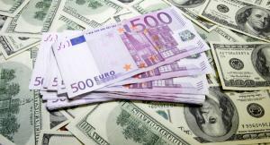 Curs valutar: Leul scade, in timp ce Euro si Dolarul cresc