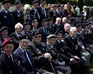 Comemorarea celei de-a 70-a aniversari a Zilei-Z a adunat mii de oameni pe plaja Omaha din Normandia