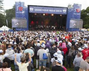 Franta: 14.000 de fani