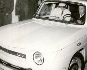 Cum au fost salvate de la casat 34 de masini istorice
