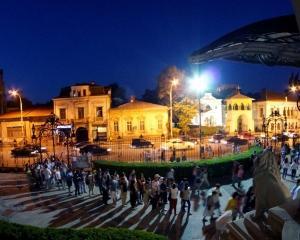Editorial Dan Manusaride: Noaptea in care Bucurestiul s-a redescoperit pe sine