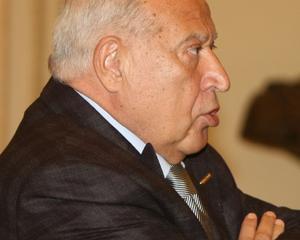 Voiculescu a infiintat un ONG special pentru Basescu si vrea sa lanseze un MANUAL DE DREPT PENAL