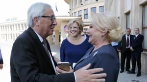 Pana la urma, Dancila l-a prins pe Juncker