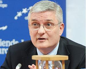 Daniel Daianu: Accept un salariu cu 20% mai mic
