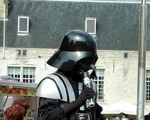 Pistolul lui Han Solo din Razboiul Stelelor, scos la vanzare
