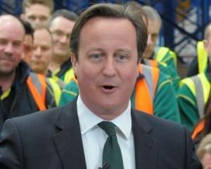 David Cameron promite ca ii va tine departe pe romani
